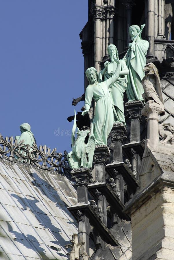 贵妇人notre巴黎雕象 免版税库存图片
