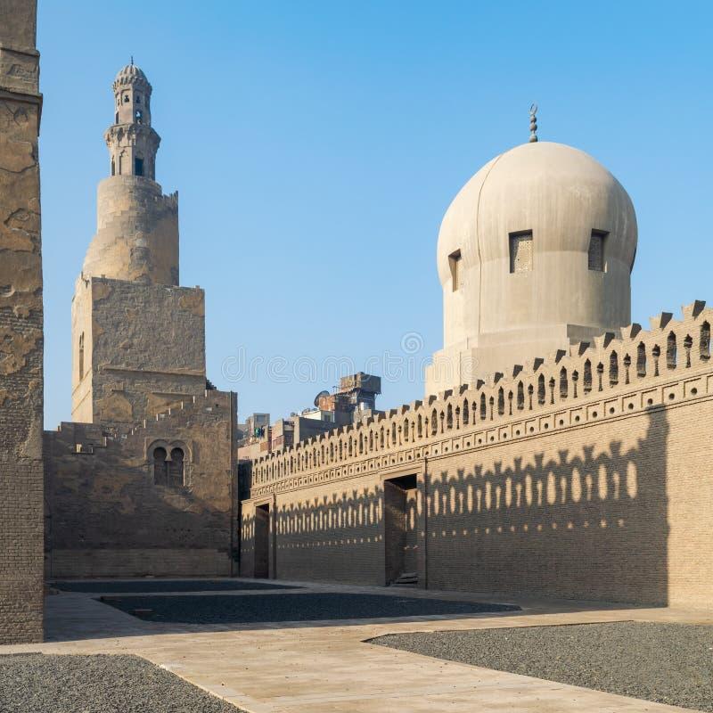 贵族Sarghatmish清真寺,老开罗,埃及尖塔和圆顶尖塔  图库摄影