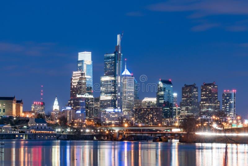 费城从Schuylkill河的市地平线 免版税图库摄影