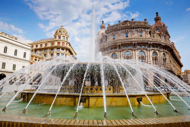 费拉里广场是热那亚大广场,显耀为它的喷泉,并且许多机关建立了的地方 图库摄影