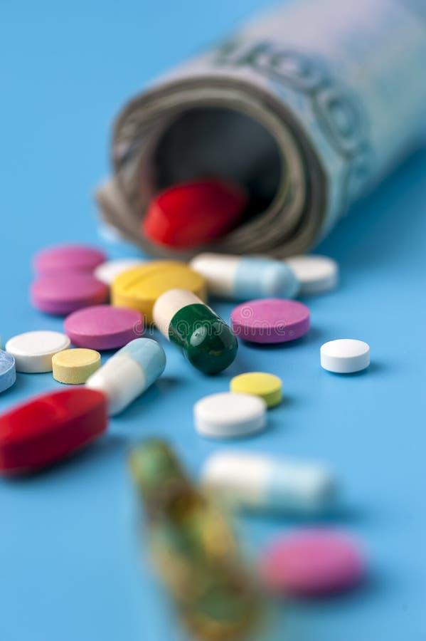 费用的概念在健康促进和医院治疗的 图库摄影