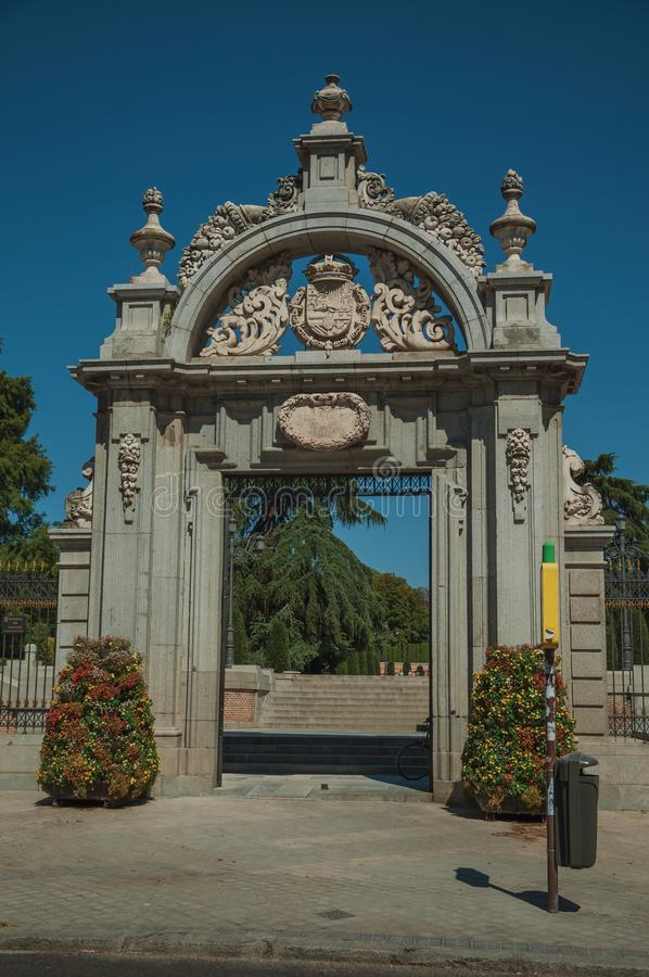 费莉佩IV门的门面在El雷蒂罗公园的在马德里 免版税库存照片