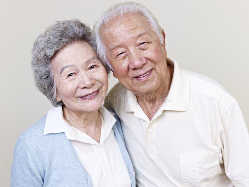 资深亚洲夫妇 免版税图库摄影