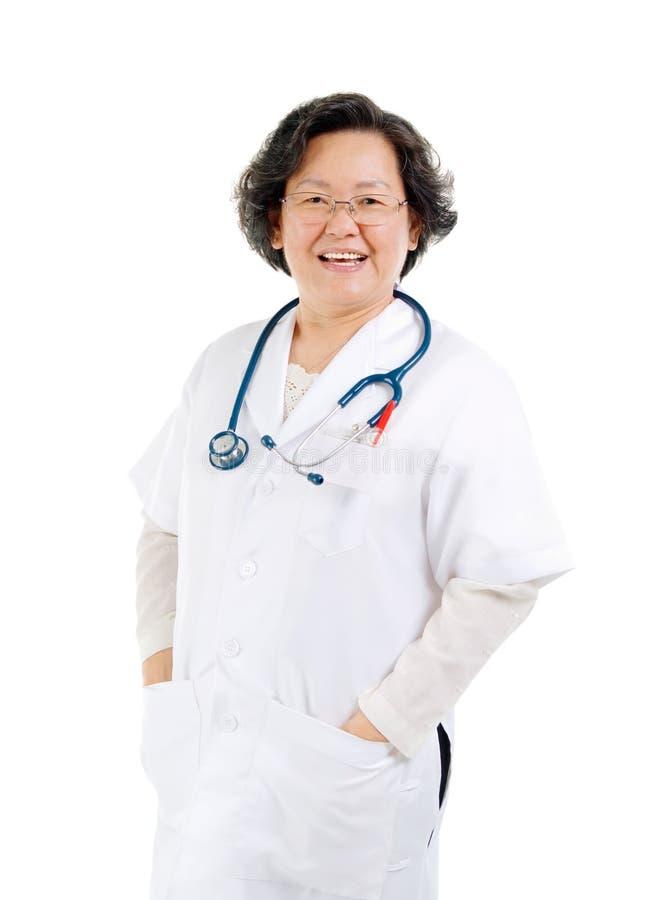 资深女性医生 免版税图库摄影