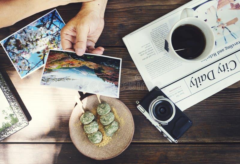 资深成人提醒的记忆照片夫妇概念 库存图片