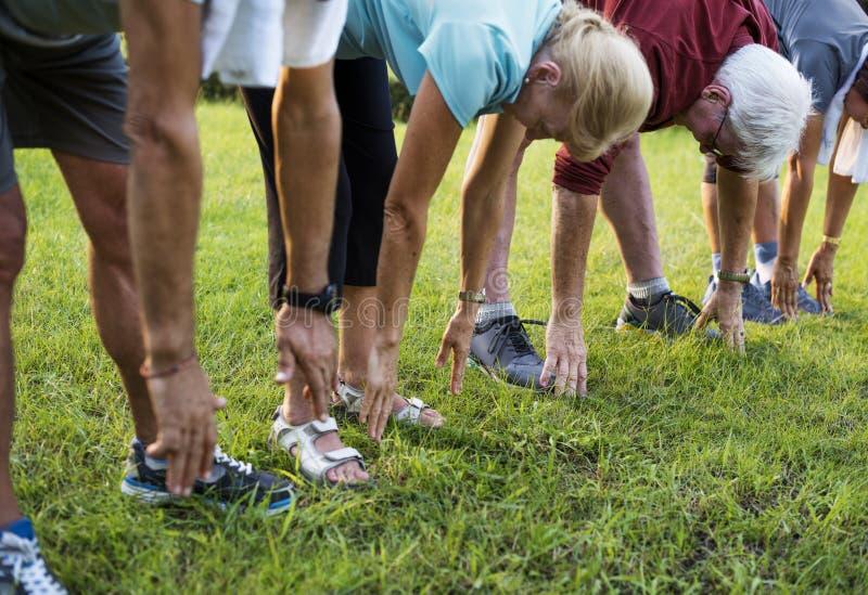 资深成人锻炼健身力量 库存图片