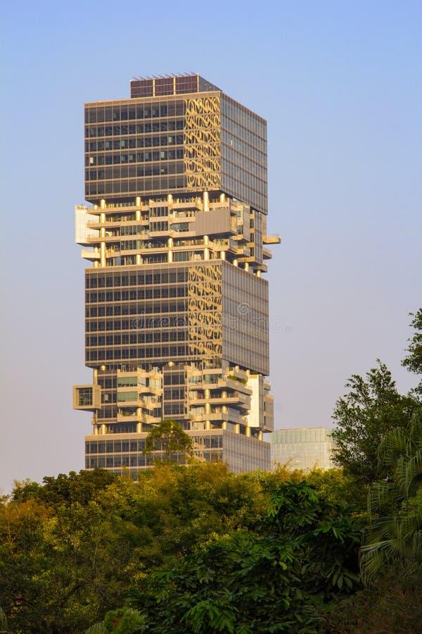 资金豪宅-在财政centerï ¼ Œ深圳的一个多办公室企业大厦 库存图片