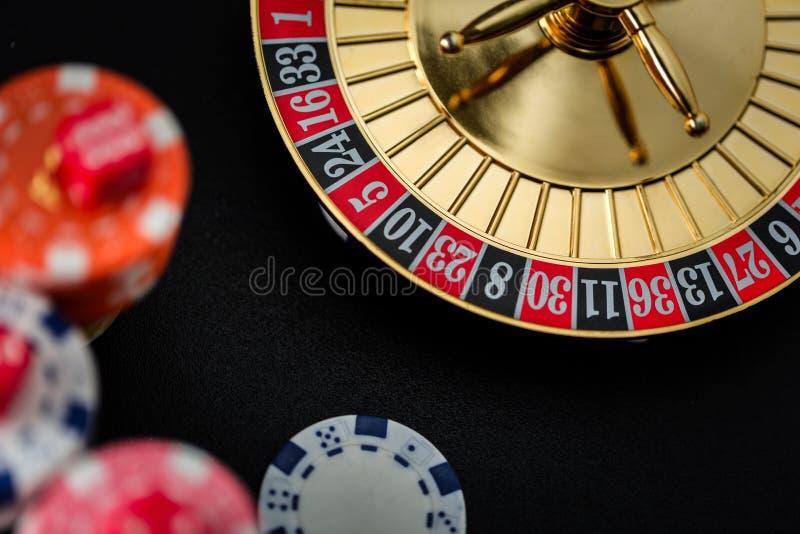 赌博在赌博娱乐场的轮盘赌的赌轮 库存照片