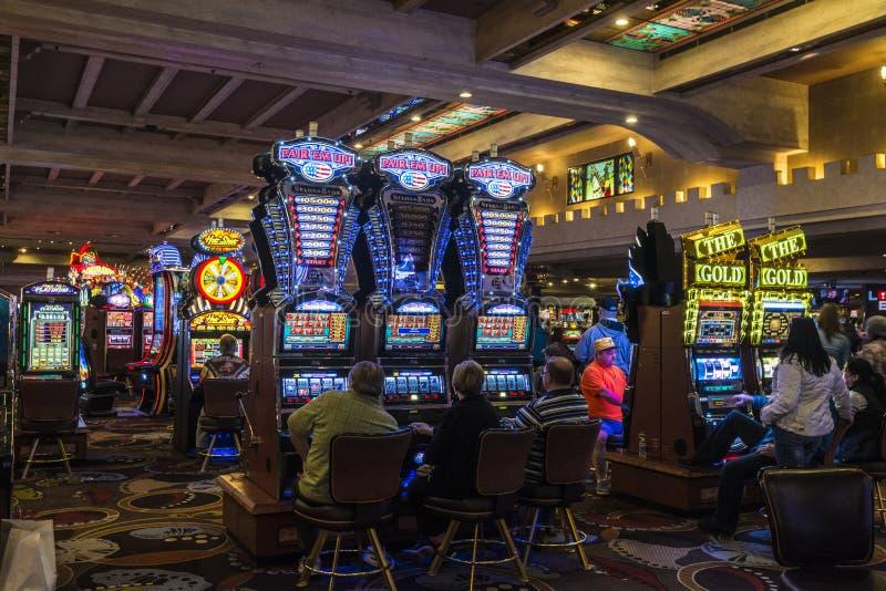 赌博娱乐场大厅 库存照片