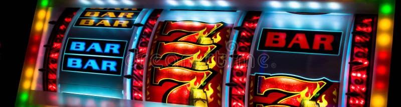 赌博娱乐场老虎机显示特写镜头 库存照片