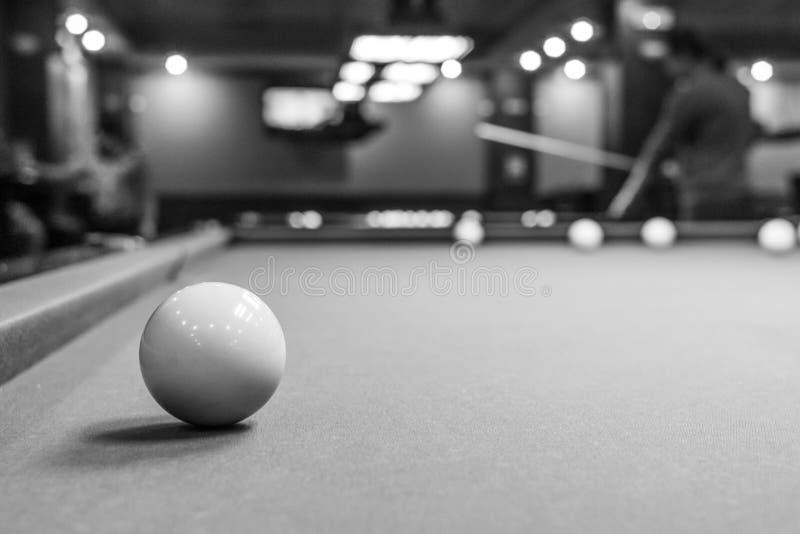 赌博的台球 免版税库存照片
