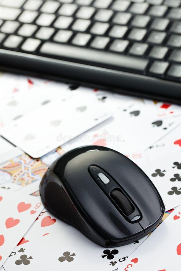 赌博的在线啤牌 库存照片