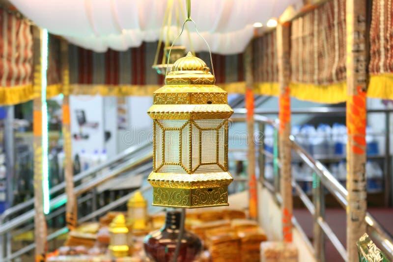 赖买丹月伊斯兰教的灯笼 库存图片