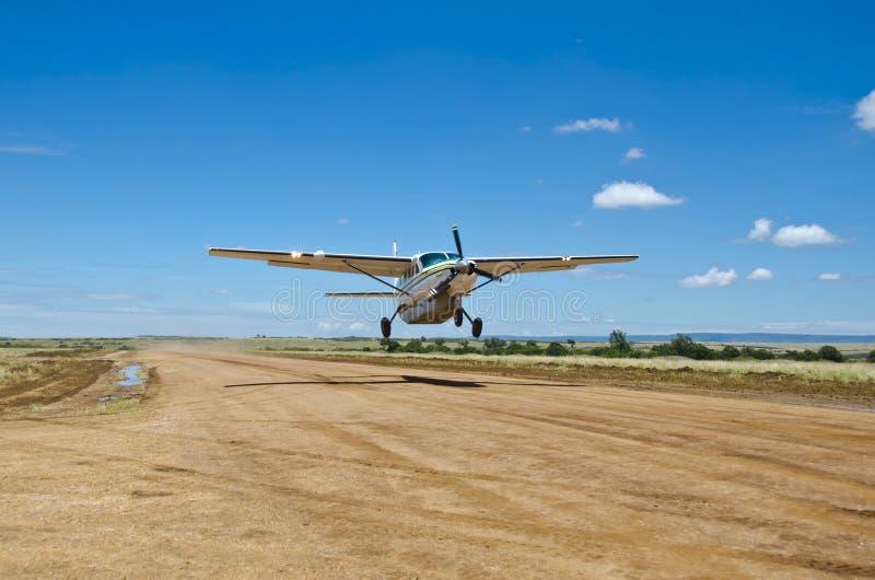 赛斯纳飞行器公司全部有蓬卡车 免版税库存图片