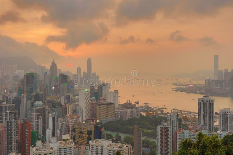 Download 赛西尔的香港Ride先生景色 编辑类照片. 图片 包括有 中央, 摩天大楼, 场面, 蓝色, 著名, kong - 59111036