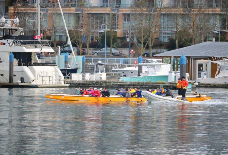 赛跑独木舟俱乐部的False Creek在温哥华,加拿大 库存照片