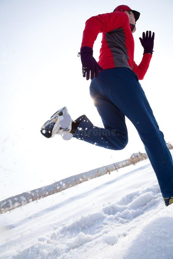 赛跑者在冬天 免版税库存照片