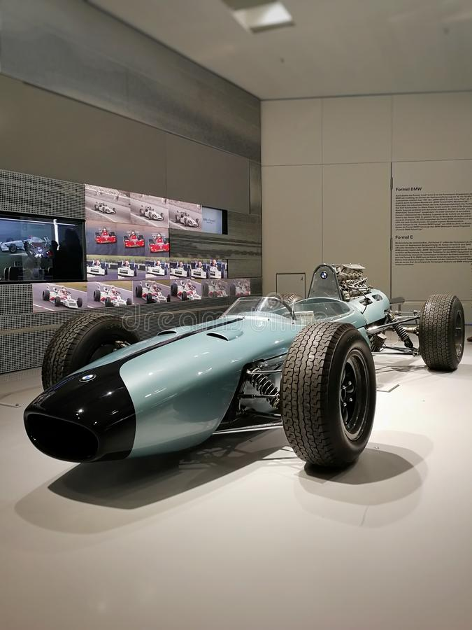 赛跑BMW汽车在BMW博物馆,慕尼黑,德国 免版税库存照片