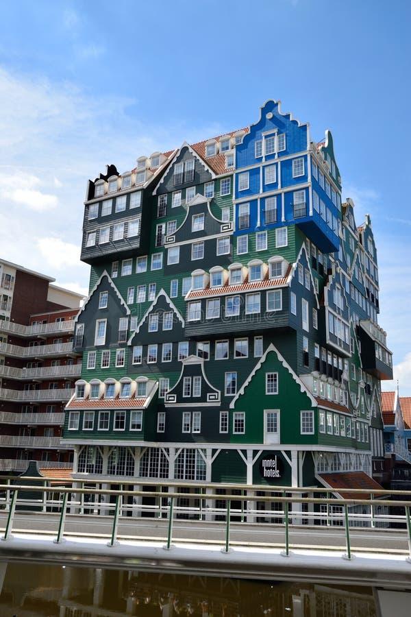 赞丹,荷兰设计通过合并Zaan地区的传统建筑学吸引客人 免版税图库摄影