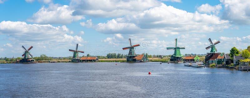 赞瑟斯汉斯镇在赞斯塔德,北荷兰省,荷兰省风车  库存照片