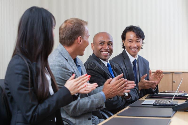 赞许的业务会议专业人员 库存照片