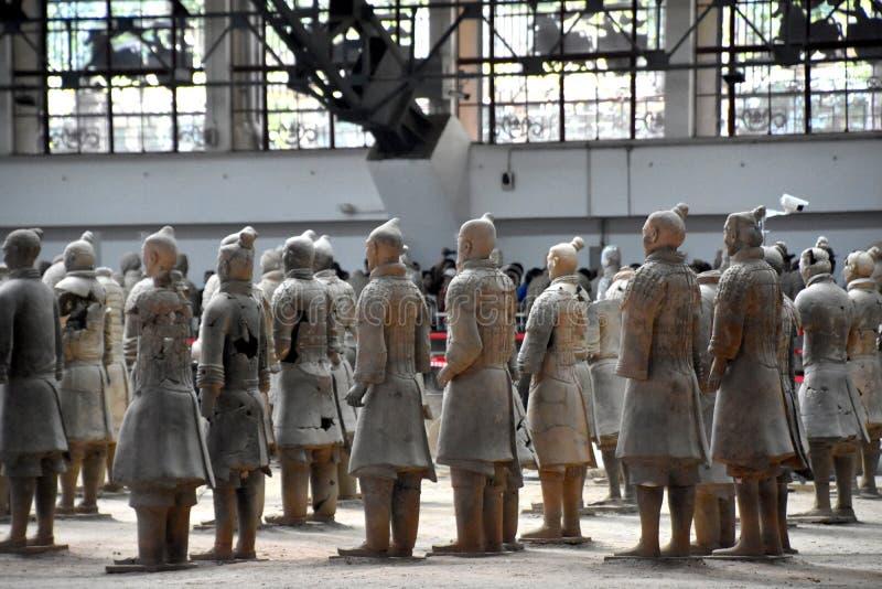 赤土陶器战士和马,西安,中国军队  图库摄影