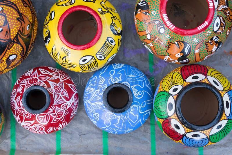 赤土陶器罐,印地安工艺品公平在加尔各答 库存照片