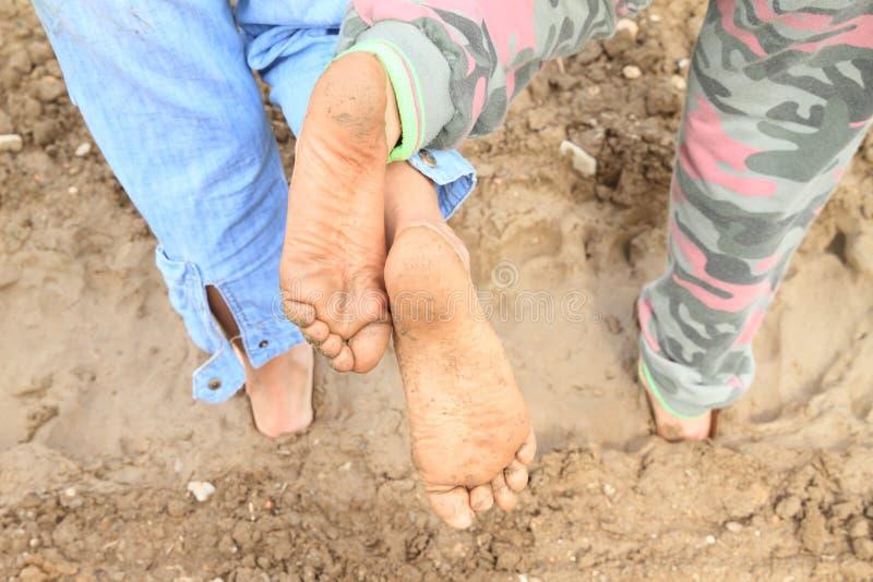 赤脚肮脏的鞋底  免版税库存照片