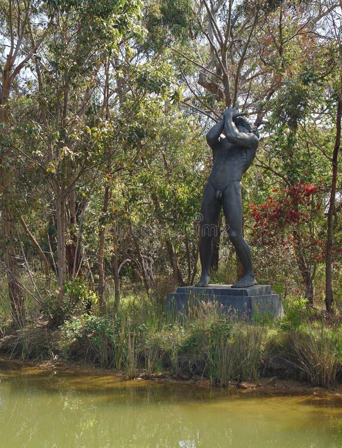赤裸人雕塑 库存照片