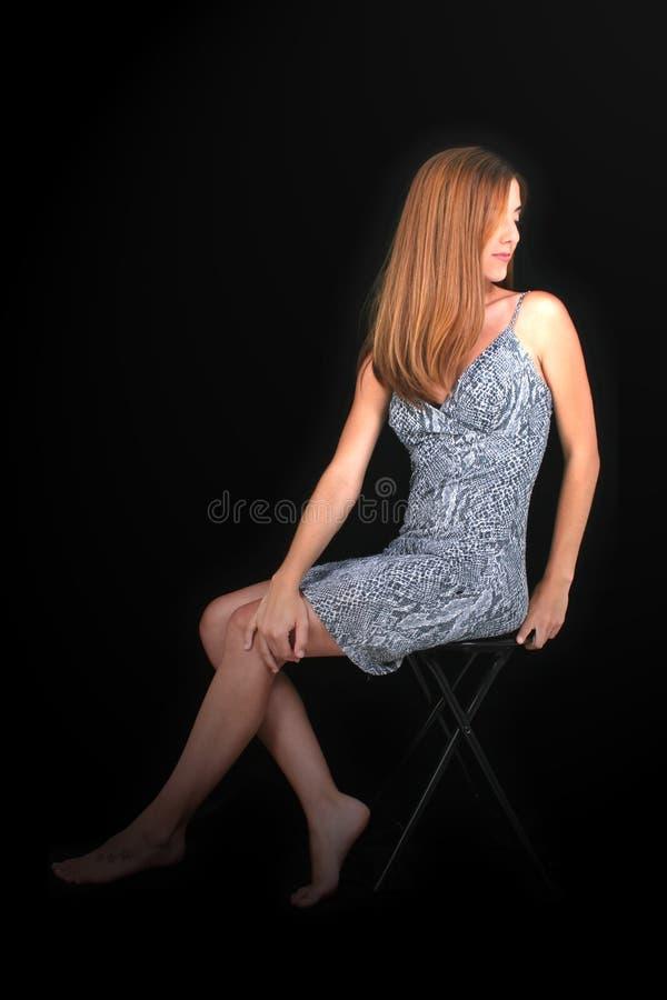 Download 赤足美丽的礼服snakeskin妇女年轻人 库存图片. 图片 包括有 皮肤, 相当, 白种人, 魅力, 查找 - 184513