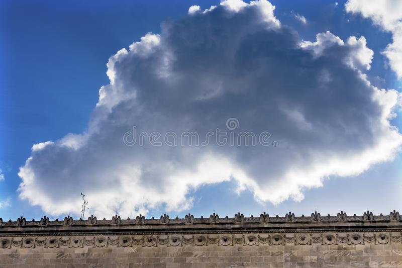 赫伯特・胡佛修造的天空蔚蓝商务部华盛顿特区 库存图片