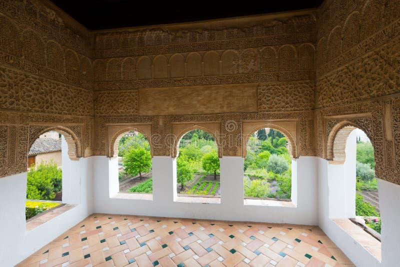 赫内拉利费宫宫殿里面看法  格拉纳达 图库摄影