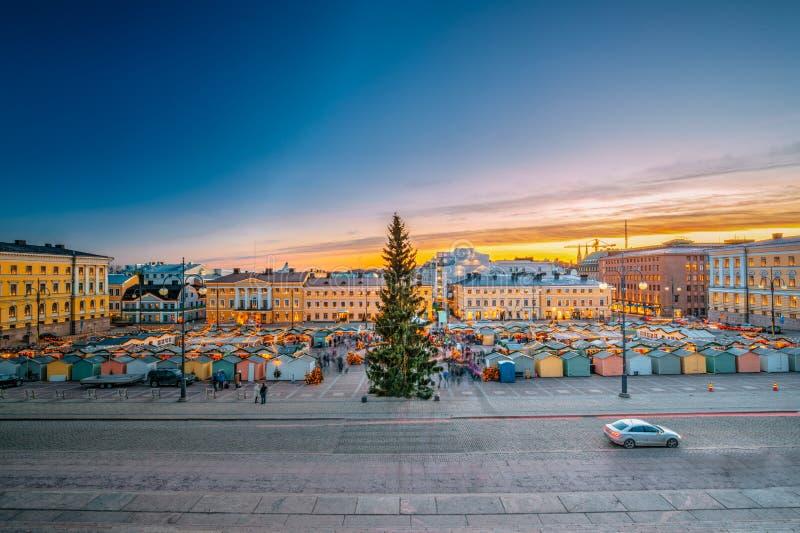 赫尔辛基,芬兰 圣诞节与圣诞树的Xmas市场 库存照片