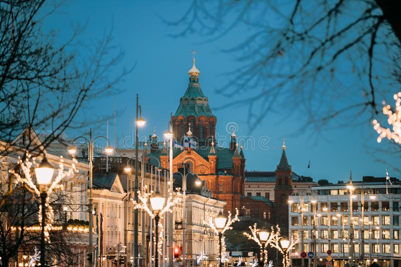 赫尔辛基,芬兰 小山的Uspenski大教堂晚上或夜 图库摄影