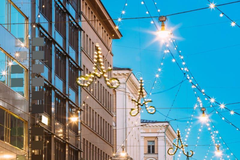赫尔辛基,芬兰 晚上圣诞节Xmas新年欢乐Illum 免版税图库摄影