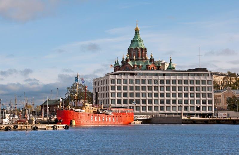 赫尔辛基 芬兰 办公楼和Uspenski大教堂 库存照片