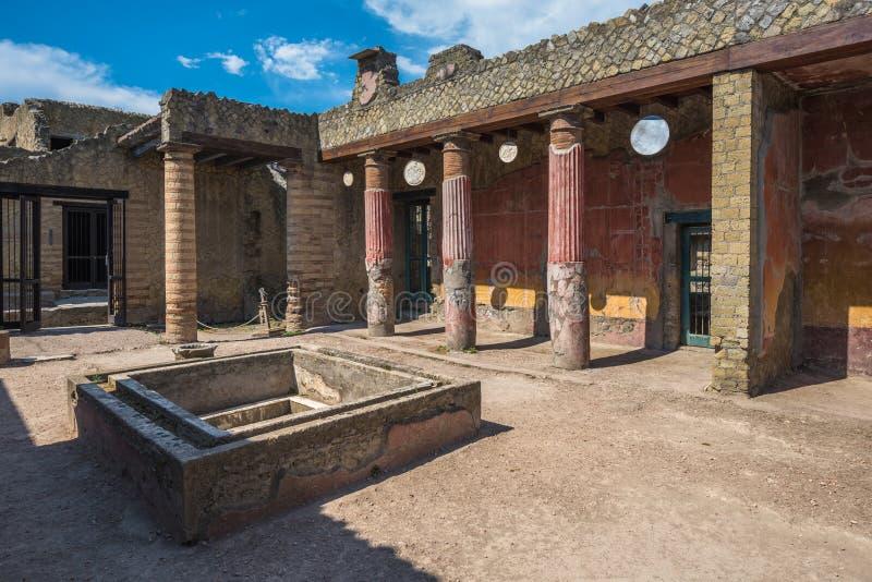 赫库兰尼姆,维苏威毁坏的古老罗马镇废墟e 免版税库存照片