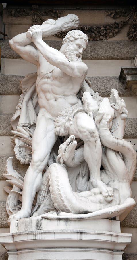 赫拉克勒斯雕象 图库摄影