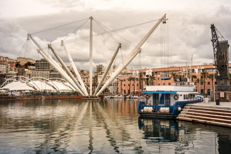 赫诺瓦-利古里亚-意大利- Bigo起重机在热那亚波尔图Antico江边 免版税库存照片