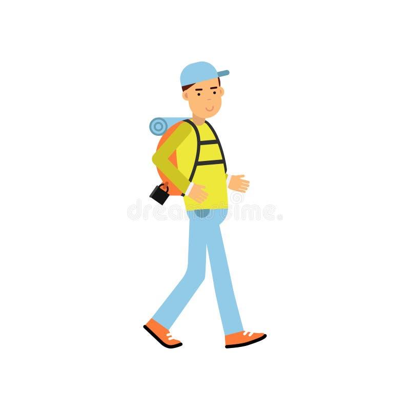 走与远足的年轻人游人在他的肩膀的背包 室外休闲,暑假概念 皇族释放例证