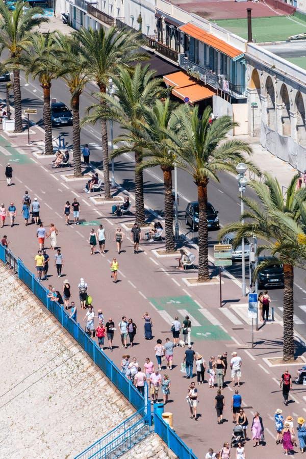 走在地中海的散步des Anglais的人们 库存照片