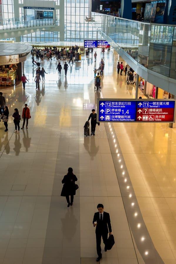 走在香港Chek的乘客舔Kok机场 免版税图库摄影