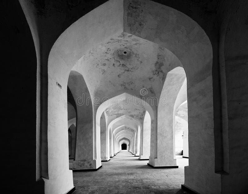 走廊在Kolon清真寺 库存图片