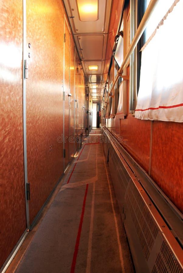 走廊培训无盖货车 库存照片