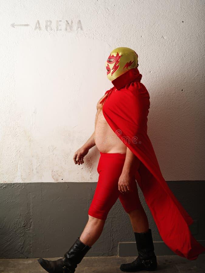 走往竞技场的Luchador 免版税图库摄影