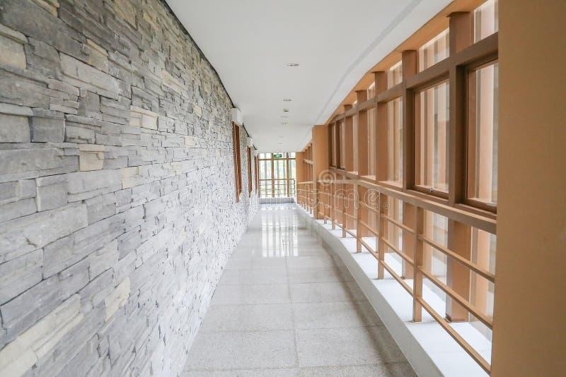 走廊室内现代 免版税库存照片