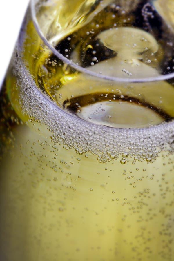 起泡在香槟玻璃 免版税库存照片