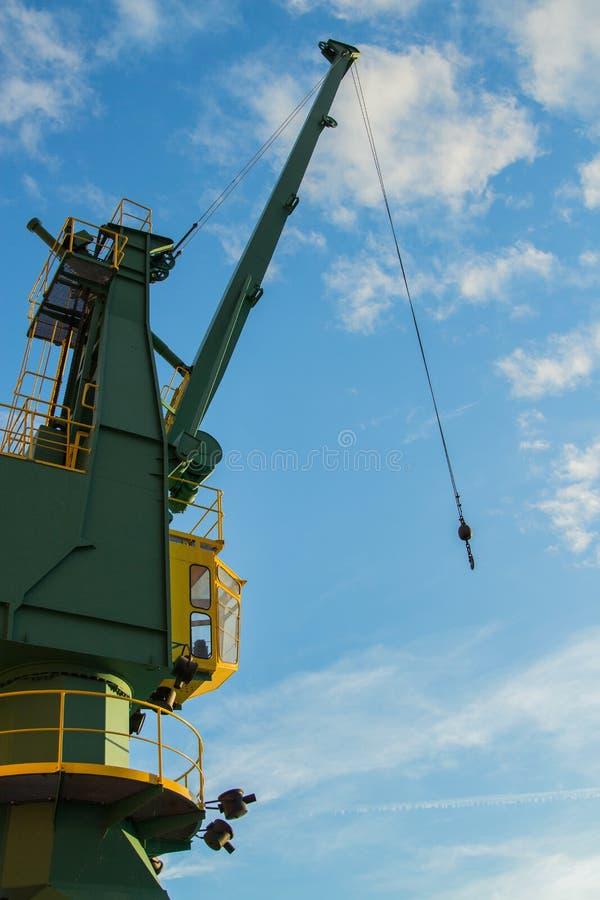 起重机在港口 免版税库存图片