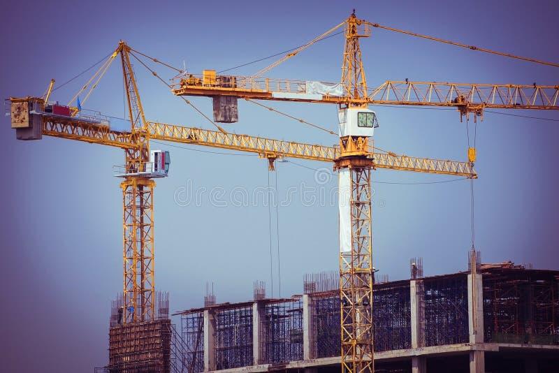 起重机建筑业背景 免版税库存图片