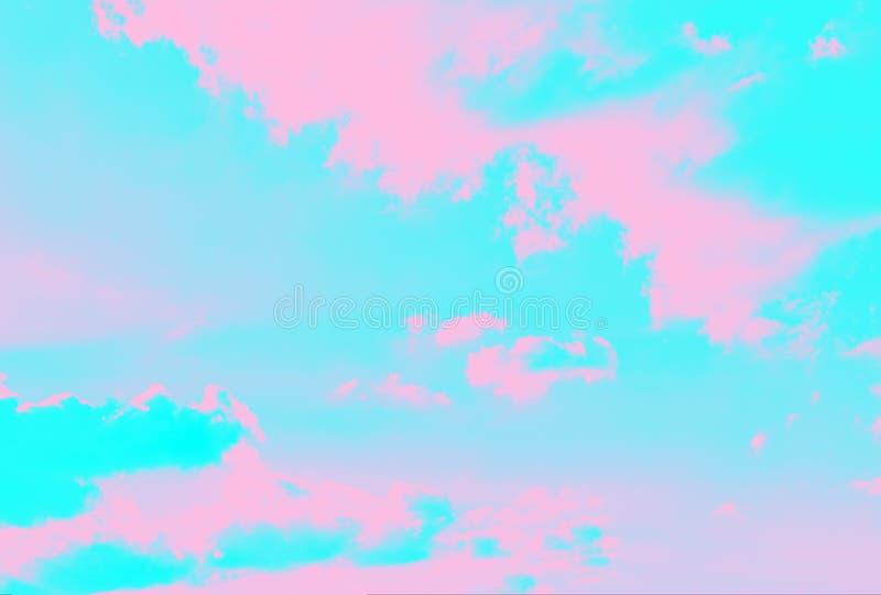 超浅水色和粉红色背景,抽象的天空背景 免版税库存照片